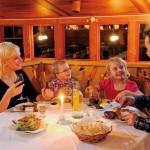 Hassela ravintola perhe ruoka juoma