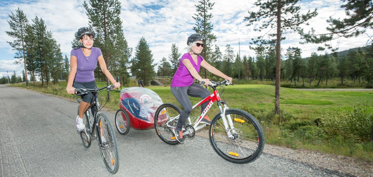 Levi pyörällä: Photo: Teemu Moisio