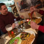 3 valleys val thorens restaurant hamburger