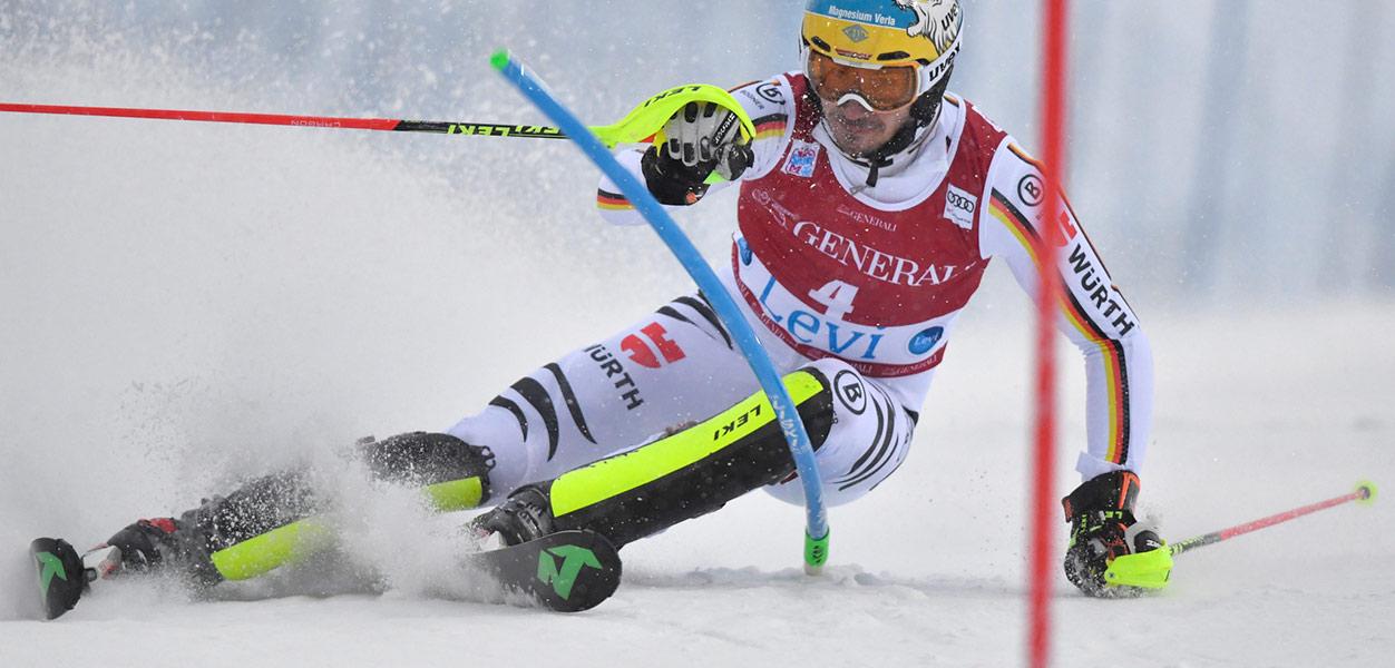 Saksalaisjuhlat Levin 2017 maailmancupin miesten pujottelussa - Lumipallo